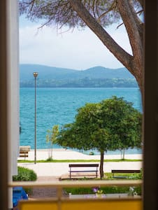BEACHFRONT - Private Double Room with Sea View - 蒂瓦特(Tivat) - 住宿加早餐