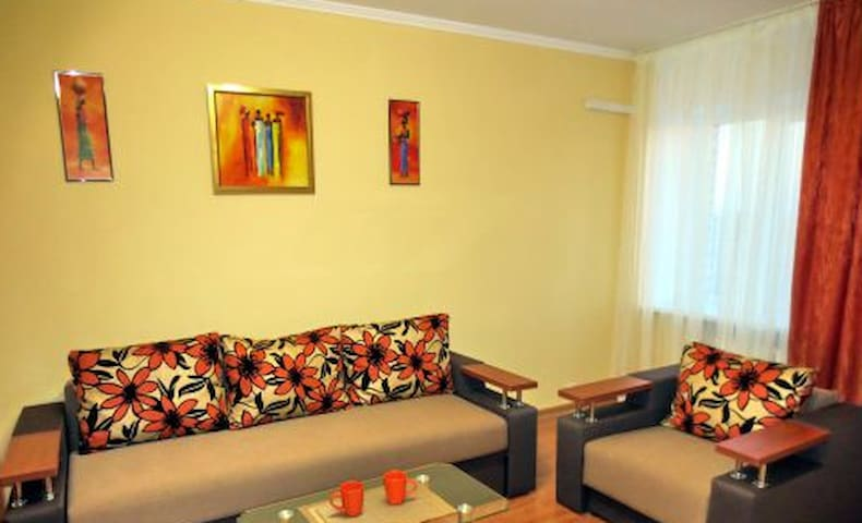 2 room appartament, 1 double bed+1 double sofa - Cherkasy - Apartamento