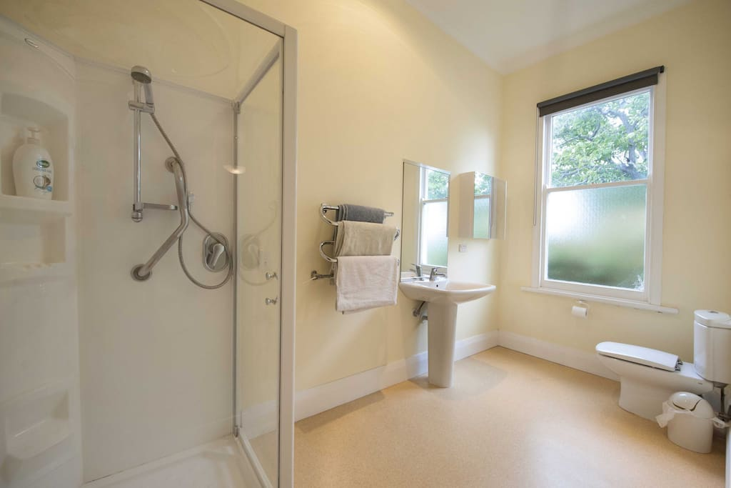 Lovely big private ensuite bathroom/WC