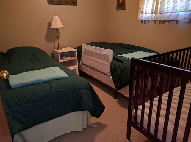 Kids Room includes a crib
