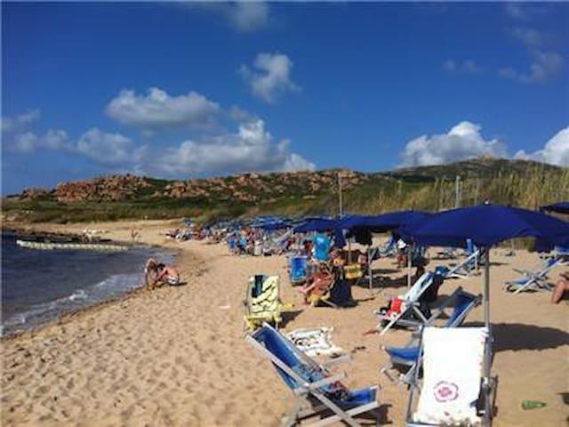 Beach - 6 minute walk