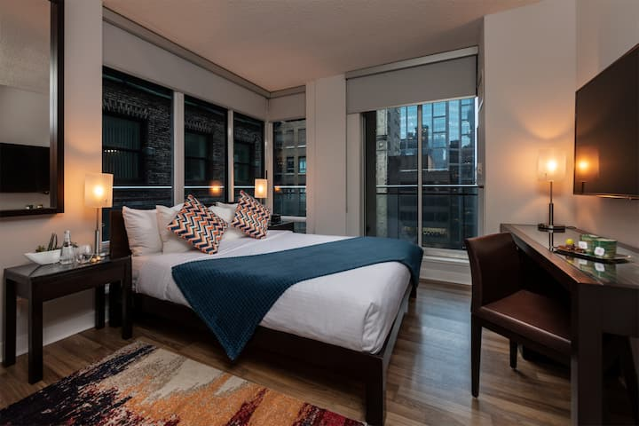 Studio Condo in Downtown Toronto #5