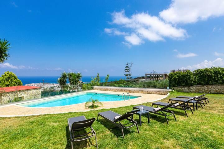 Stella House, 3 BD, 2 BA, private pool