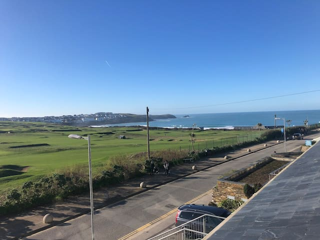 Fistral View - and less than 500m to the beach!