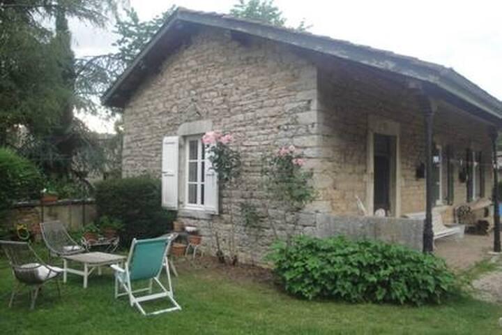 Logement entier indépendant de 60 m2  La Jeannette