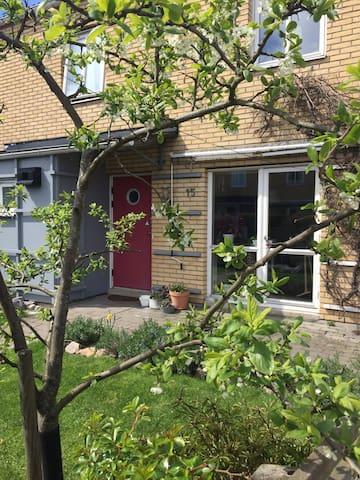 Rymligt hus i Malmö - nära Sommarlovsinspelningen!