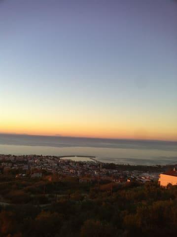 Μεζονέτα/Υπέροχη θέα Κυπαρισσιακού κολπου/Κάστρου - Kyparissia - House