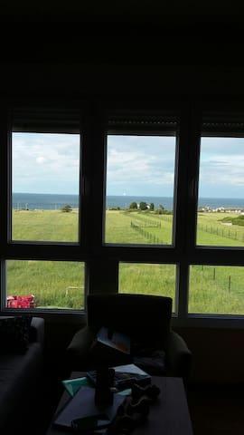 Apartamento playa de Foz con vistas al mar