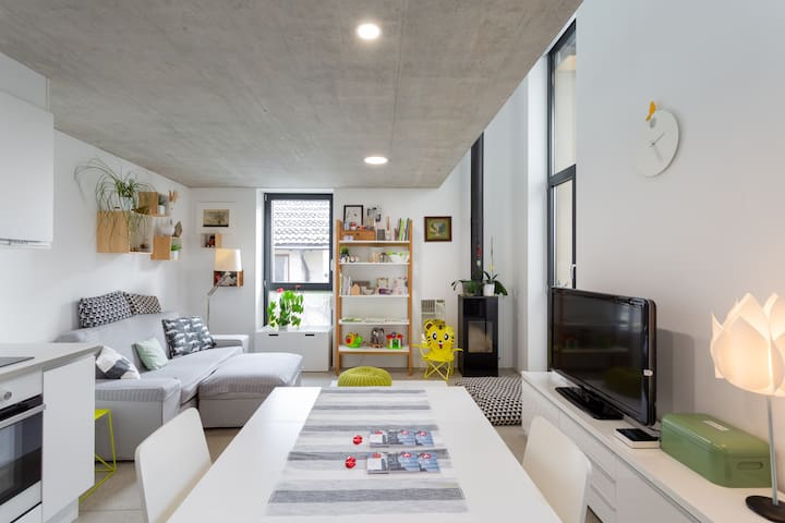 Nel nucleo di Origlio casa ristrutturata moderna