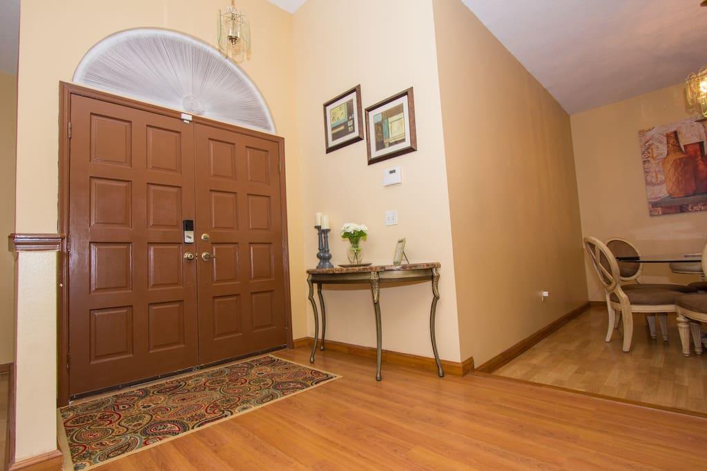 Foyer/ Key less entry