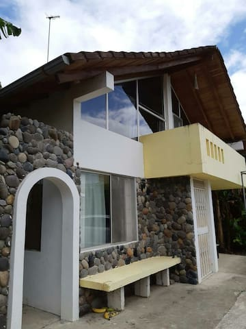 hermosa casa playera cerca al mar