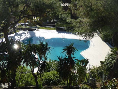 OCEANVIEW TWO-ROOM APARTMENT WITH POOL 008055-LT-0851