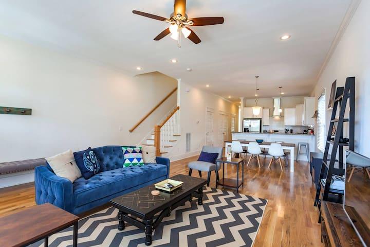 Spacious and comfy living room