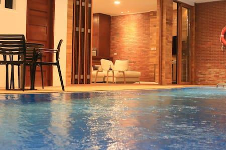 Villa 15meter Crystal Clear Pool + SUV + Breakfast