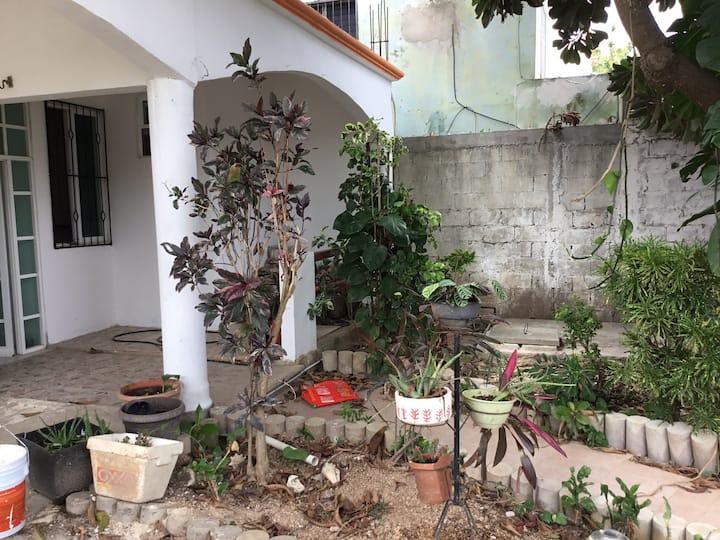 casa semiamueblada con clima