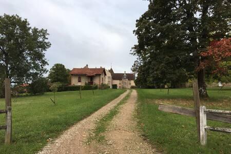 Patrimoine, nature et calme absolu dans la Nièvre