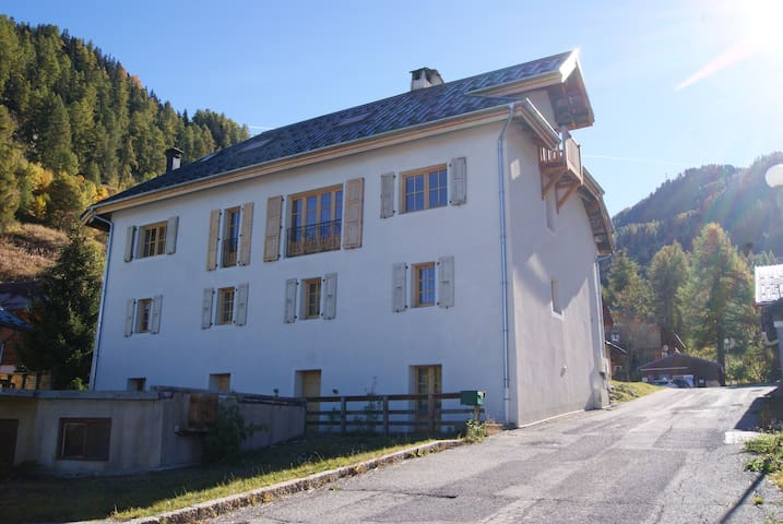 Beautiful chalet 150 meters to piste/chairlift! - Aime - Chalet