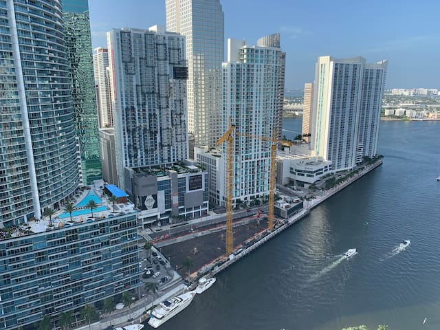 Luxury condo in the heart of brickell
