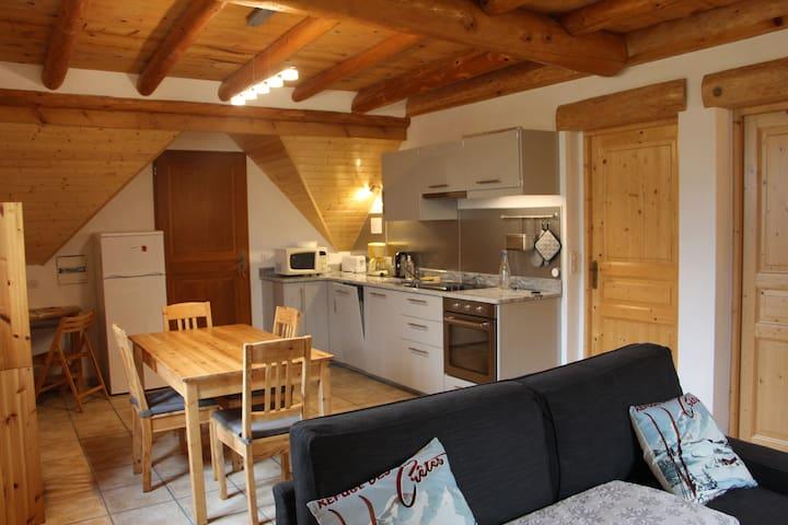 Appartement indépendant dans maison, en montagne