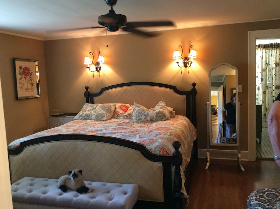 Very comfortable king size bed upstairs plus a laundry room and ensuite bathroom.