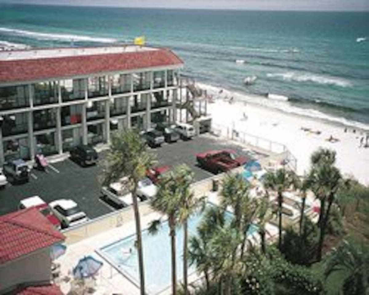 Casa Blanca Resort Iniums For In Panama City Beach Florida United States