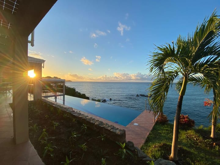 Villa Solaire - Overlooking the Caribbean Sea