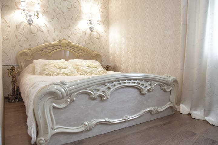 3 к VIP квартира посуточно, почасов - Illichivs'k - Apartment