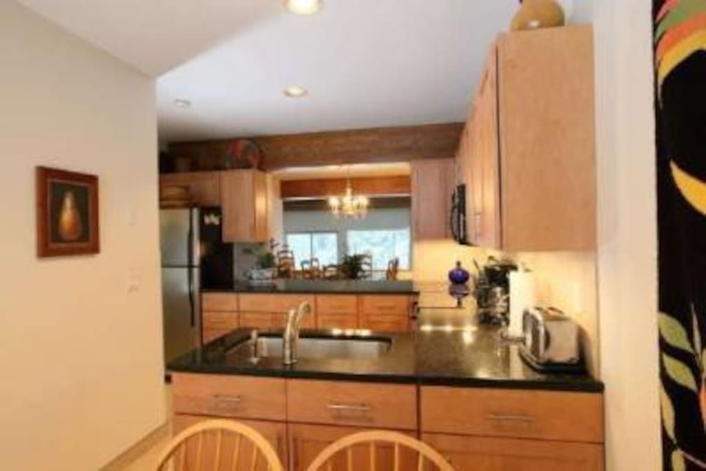 Beautiful kitchen recently remodeled