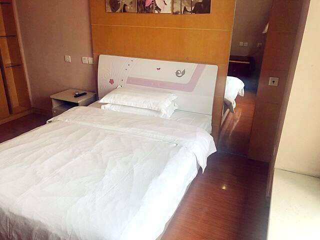 【中山公园】2、3、4号线商圈大床房H
