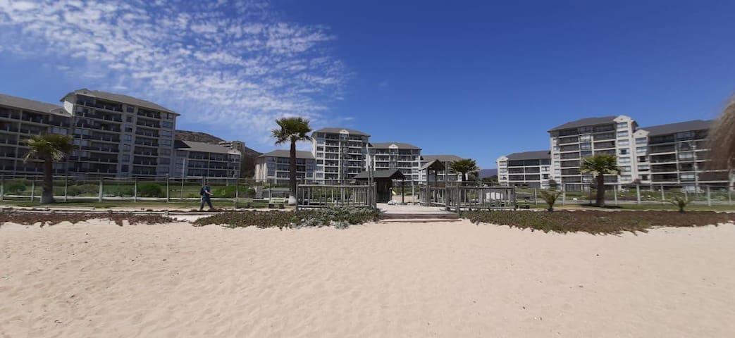 departamento Punta Puyai, Frente al Mar