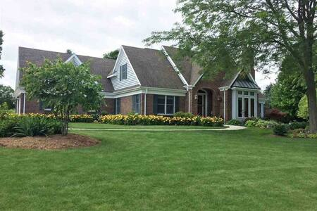 Private country estate perfect for family retreat!