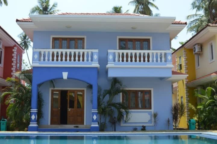 3 Bedroom villa with pool near Club Cabana