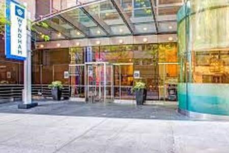 Top 20 affitti per le vacanze case vacanze e affitti for Appartamenti midtown new york