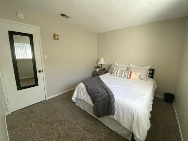 Private room with Queen size bed | NURSES WELCOME!