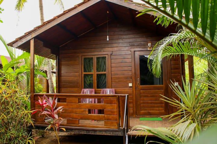 AC Garden View Cottage 2