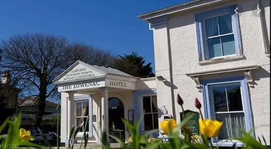 Lowenac, Private Hotel in the Heart of Cornwall