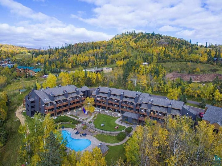 Sleeps 20! Lutsen Ski-in/Ski-Out Townhomes 6BD/6BA