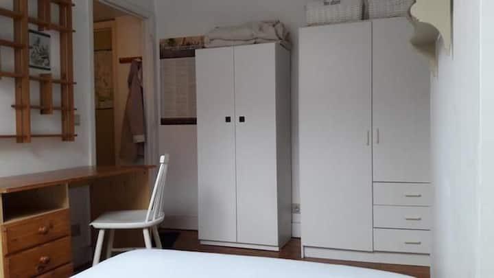 Chambre privée dans une résidence à Bruxelles