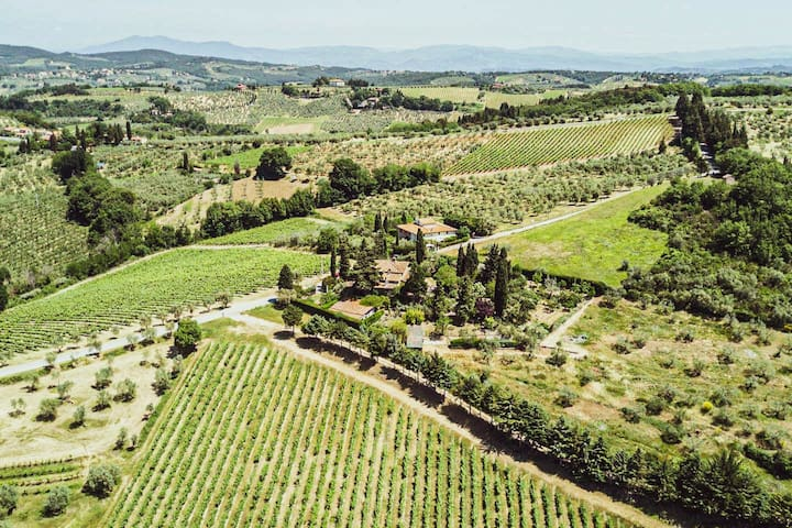 Tuscan Bed & Breakfast - Vineyards and Gardens