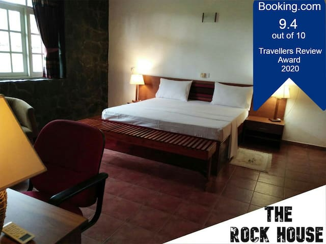 The Rock House, Room1, Seeduwa / Katunayake