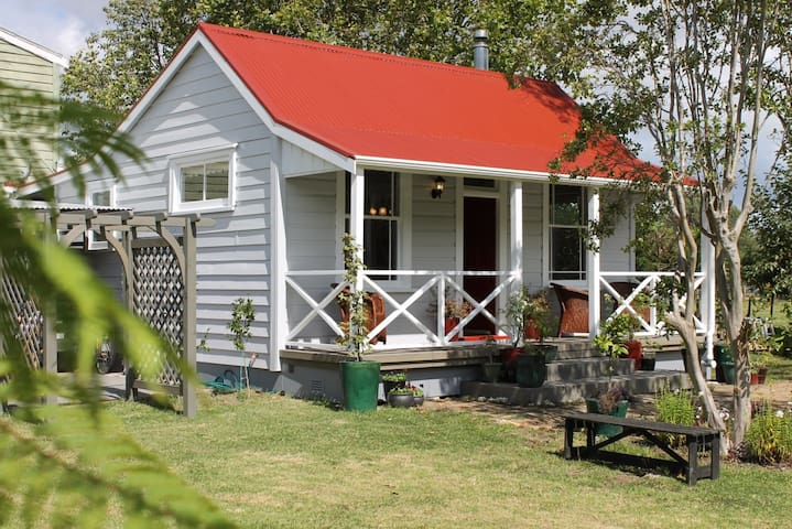 Bakehouse Cottage - Kauaeranga Valley