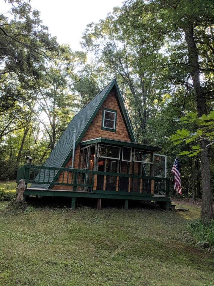 Cozy 'Up North' Cabin Retreat