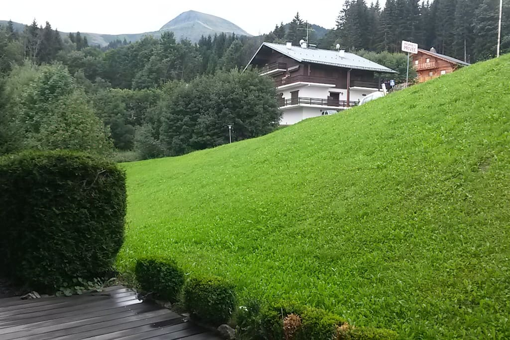 Terrasse vue Mt Joly.