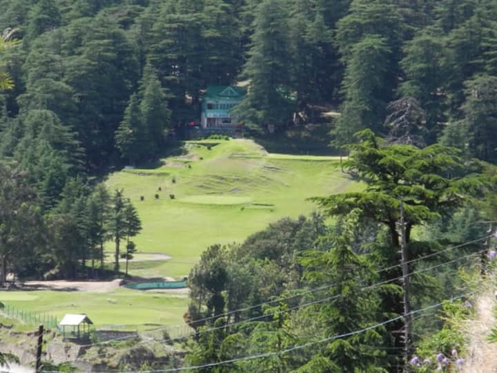 Only Homestay with a view of Naldehra Golf course