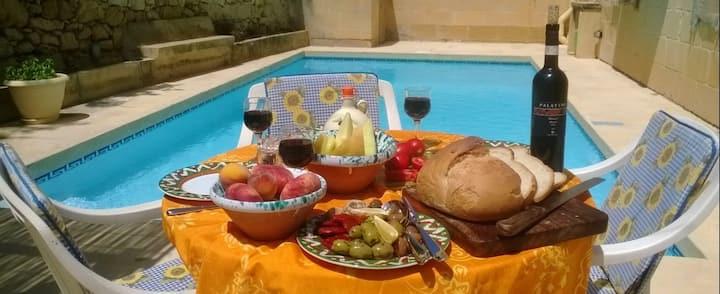 It-Tokk Gozo farmhouse with private pool