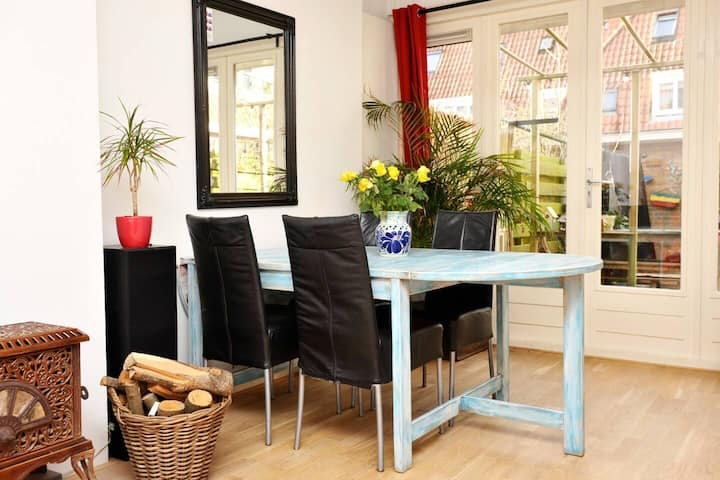 Amsterdam lovely house incl.  garden & free parking!