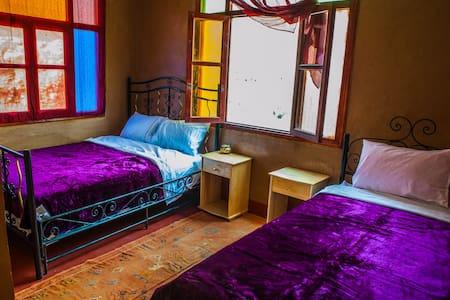 RIAD LES JARDINS DES GORGES: DOUBLE BEDROOM