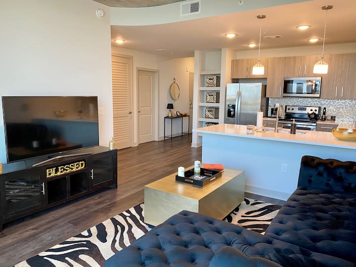 Gorgeous 2BD/2BA Apartment in the Frisco Star