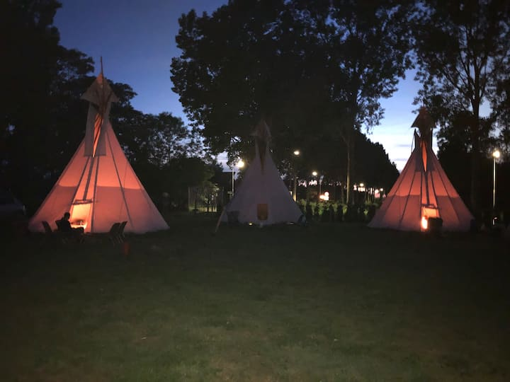 Tipi Tent 3 Zwaanshoek. Near Hoofddorp & Amsterdam