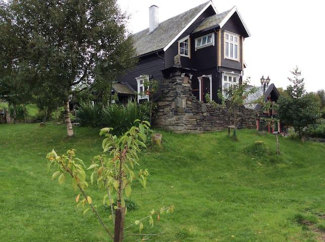 Vesttun hus og hytteutleige
